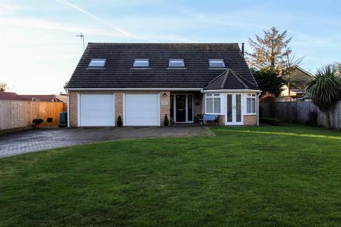 3 bedroom detached bungalow for sale - Green Lane, Bempton