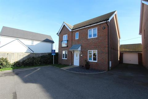 4 bedroom detached house for sale - Petunia Avenue, Minster On Sea, Sheerness