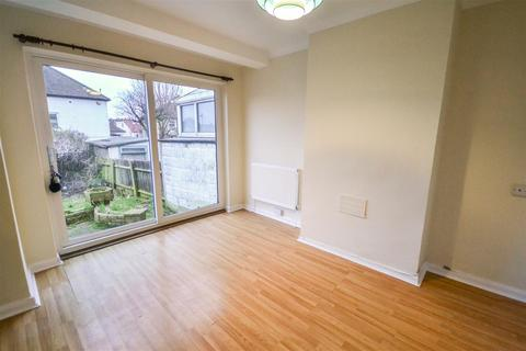 2 bedroom house to rent - Garth Road, Morden