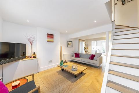 2 bedroom cottage to rent - Warwick Road, Ealing, W5