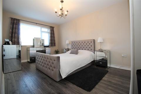 2 bedroom flat for sale - Franklin Avenue, Tadley