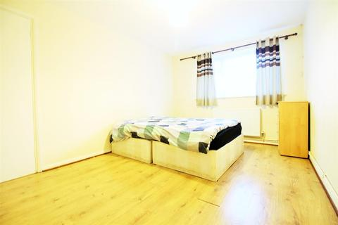 3 bedroom house to rent - Pickering Court, Granville Road, London