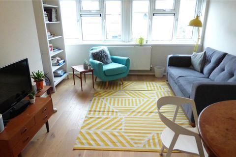 2 bedroom apartment to rent - Grosvenor Road, Leyton, E10