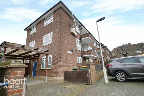 2 bedroom flat - Mason Close, London