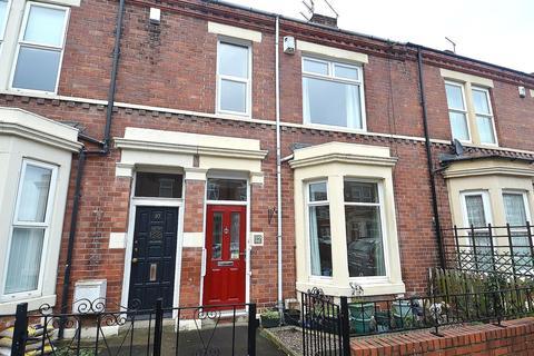 3 bedroom terraced house for sale - Bamborough Terrace, North Shields, NE30 2BU