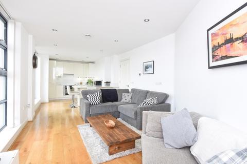 2 bedroom flat to rent - Magdalen Road London SW18