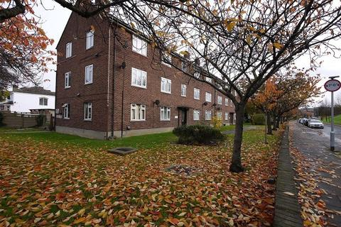 2 bedroom flat to rent - Claybury Broadway, Ilford, Essex. IG5