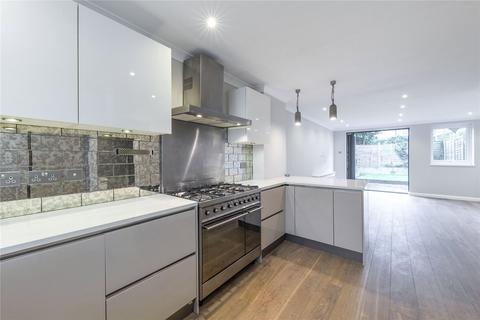 3 bedroom terraced house to rent - Putney Bridge Road, London