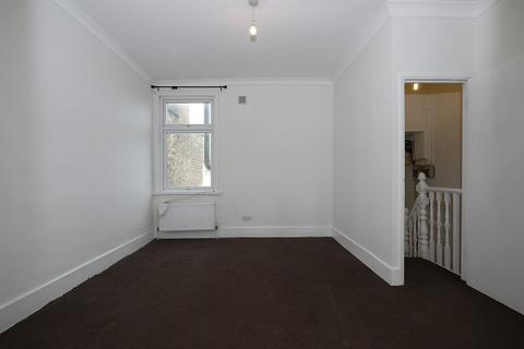 2 bedroom flat to rent - Seventh Avenue, London, Greater London. E12