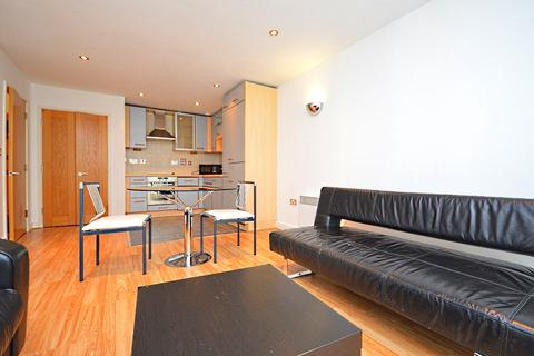1 bedroom flat to rent - Baltic Apartment, 11 Western Gateway, London, E16