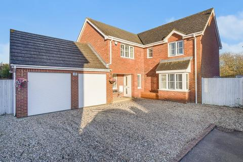 5 bedroom detached house for sale - Acorn Close, Kingsnorth, Ashford