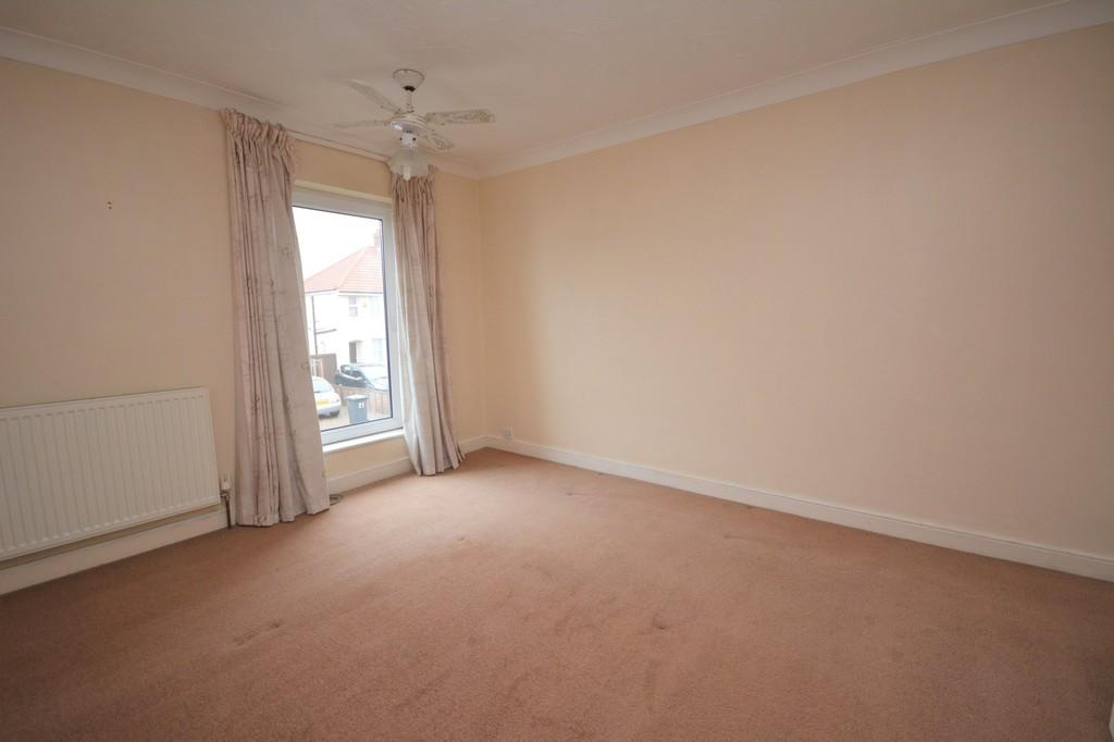 London Road Kessingland 2 Bed Terraced House For Sale 163