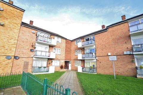 2 bedroom flat for sale - Hillrise Road, Romford, RM5