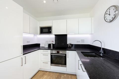 1 bedroom apartment to rent - Kingfisher Heights, Silvertown, E16