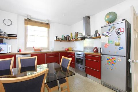 2 bedroom apartment to rent - Sutherland Square, London, SE17
