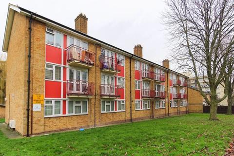 1 bedroom apartment for sale - Winkfield Road, Wood Green, N22