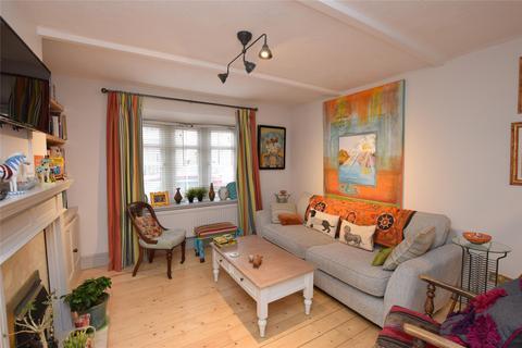 2 bedroom semi-detached house for sale - Station Road, CARSHALTON, Surrey, SM5 2LA