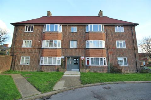 2 bedroom flat for sale - Pevensey Avenue, Enfield