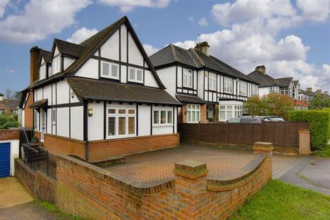 3 bedroom detached house for sale - Fir Tree Road, Epsom Downs, Surrey