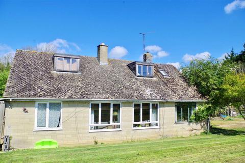 4 bedroom detached house for sale - Cricklade Road, South Cerney