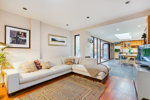 3 bedroom flat to rent - Heathfield Road, Wandsworth, SW18