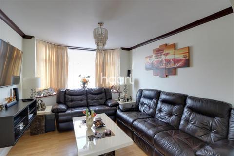 3 bedroom semi-detached house to rent - Hillingdon UB10