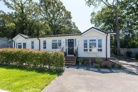 2 bedroom retirement property for sale - Oaklands Park, Brooks Green