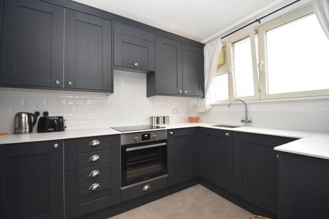 2 bedroom flat for sale - Elmley Street London SE18