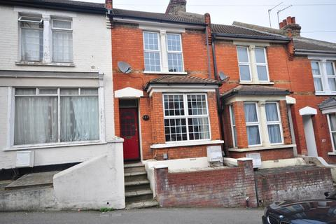 2 bedroom terraced house to rent - Cecil Road Rochester ME1