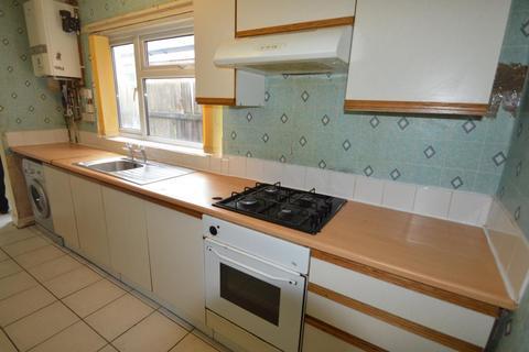 4 bedroom terraced house to rent - Milner Road, Selly Oak