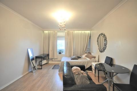 3 bedroom apartment to rent - Great Portland Street, Marylebone