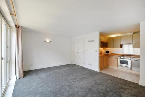 1 bedroom flat to rent - Millennium Harbour Canary Wharf E14
