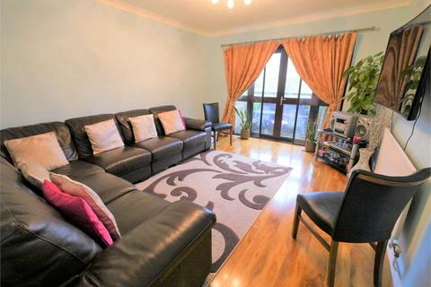 2 bedroom flat for sale - Hawthorne Court, Hawthorne Way, Stanwell