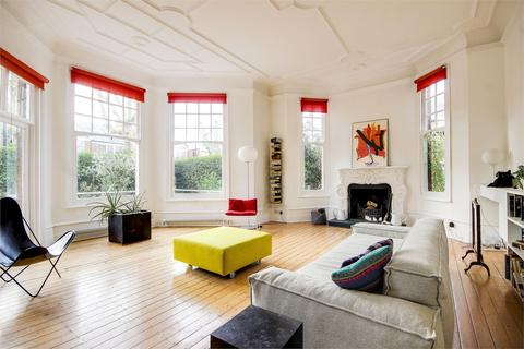 3 bedroom flat for sale - Queens Avenue, Muswell Hill, London