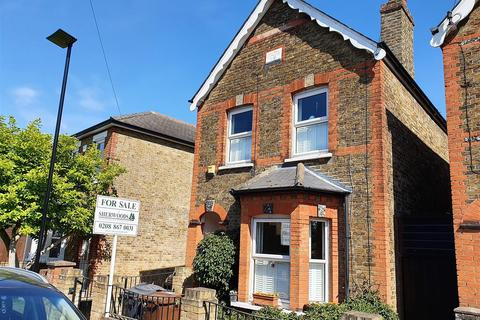 3 bedroom detached house for sale - Kings Road, Feltham