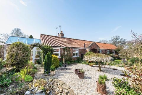 3 bedroom detached bungalow for sale - Everingham, York
