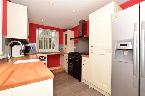 3 bedroom semi-detached house for sale - Albemarle Road, Willesborough, Ashford, Kent