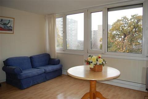 4 bedroom apartment to rent - Ibsley Gardens, Roehampton, Roehampton