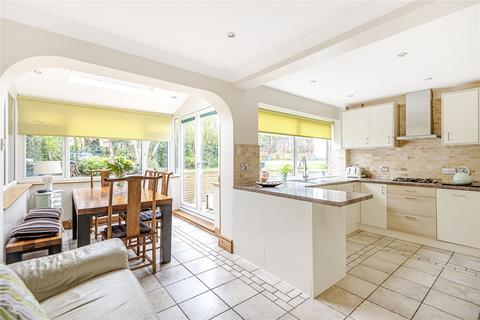 3 bedroom semi-detached house for sale - Finians Close, Hillingdon, Middlesex, UB10