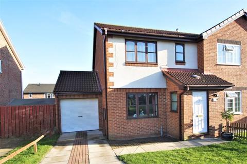 3 bedroom semi-detached house for sale - Thurso Close, Fairfield, Stockton, TS19 7JD