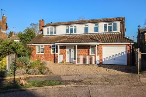 4 bedroom detached house for sale - Torrington Road, Claygate,