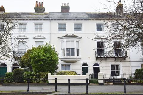 4 bedroom house to rent - Carisbrooke Road, , Newport