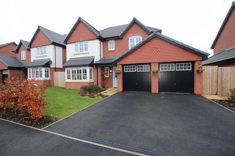 4 bedroom detached house to rent - Walton Gardens, Hutton