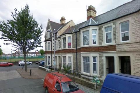 2 bedroom flat to rent - Kincraig Street, Roath,