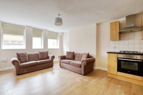3 bedroom flat to rent - Mount View Road, London, N4 4SL