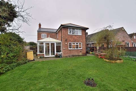 4 bedroom detached house for sale - UTTERLY FANTASTIC! FOUR bedrooms, THREE reception rooms, CHARACTER throughout!