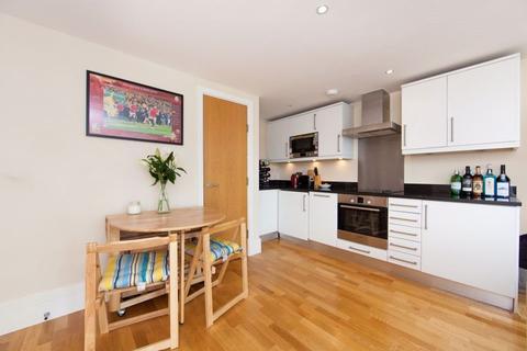 1 bedroom flat to rent - Langford Mews, SW11