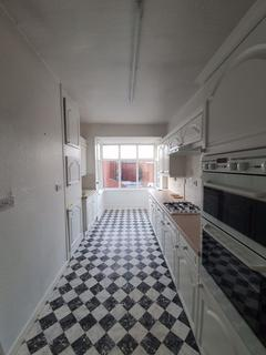 2 bedroom flat to rent - Lindsay Avenue, Blackpool, Lancashire