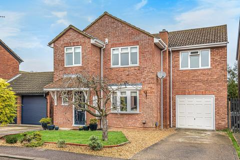 4 bedroom detached house for sale - Cheviot Close, Flitwick, MK45