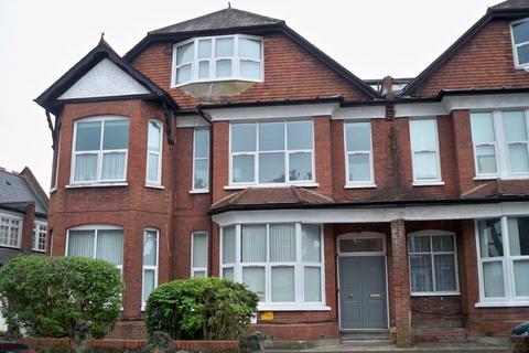 Studio to rent - Princes Avenue, Muswell Hill, London